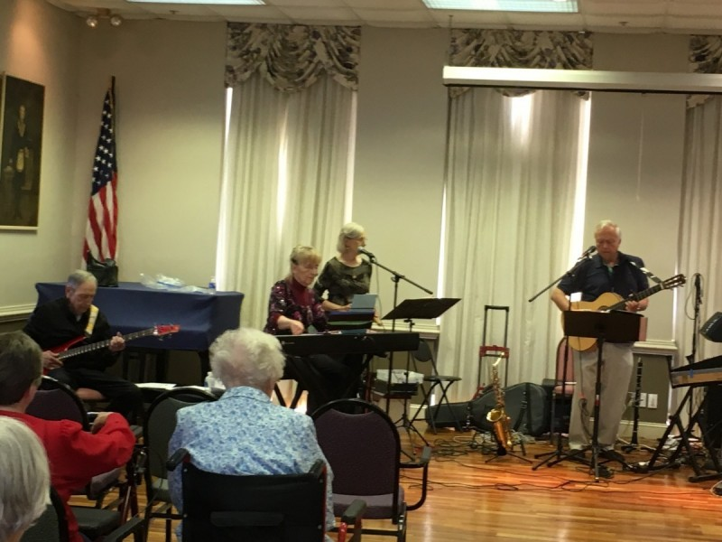 Music of the 50s, 60s and 70s by the Rocking Chairs Band